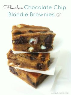 Flour-less Chocolate Chip Blondie Brownies (& 28 Brilliant & Healthy Recipes using Beans) #cleandessert #glutenfree #bestrecipesever #cleaneating #skinnydessert #skinnyrecipes #highfiber #healthydesserts #cleaneatingrecipes   #skinnydesserts    http://www.damyhealth.com/2013/06/28-brilliant-healthy-recipes-using-beans/