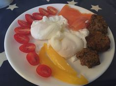 Day 4: breakfast   Poached eggs, smoked salmon, breakfast bites, tomatoes & peppers