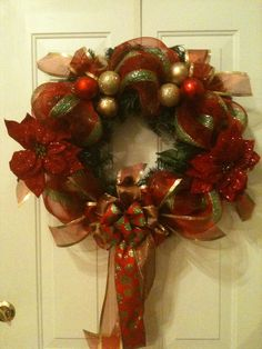 CHRISTMAS WREATH ON GREENERY WITH POLY DECO MESH