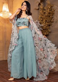 Party Wear Indian Dresses, Designer Party Wear Dresses, Indian Bridal Outfits, Kurti Designs Party Wear, Dress Indian Style, Indian Fashion Dresses, Indian Designer Outfits, Girls Fashion Clothes, Teen Fashion Outfits