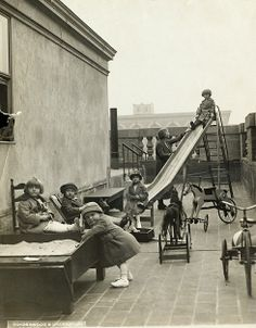 Another great historic image of children playing on the roof of the Roosevelt Hotel!