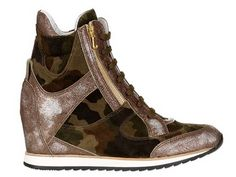 ELENA IACHI 70MM SUEDE CAMOUFLAGE WEDGE SNEAKERS #WedgeSneakers #HiTops