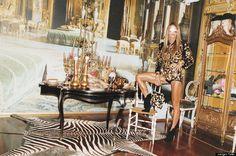 della russo anna pictures | Italian stylist Anna Dello Russo pushes fashion to the extreme—not ...