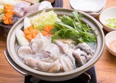Fugu chiri - Pufferfish soup. Japanese Soup, Soups And Stews, Great Recipes, Meals, Chicken, Lady, Ethnic Recipes, Food, Power Supply Meals