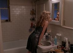 Carrie Bradshaw's bathroom... looks EXACTLYYYYYY like the bathroom in my new apartment!