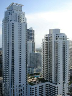 1060 BRICKELL 1060 Brickell condo completed in 2008, brings 570 residences to the Brickell Avenue pathway. With a 46 story tower and a sister 35 story second tower (1050 Brickell), 1060 Brickell Avenue offers unhampered views of the ever-changing Miami Skyline.