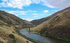 Eastern Washington and, specifically, Sun Lakes State Park, Yakima River Canyon, Jones Bay Group Camp or Alta Lake. Splendid camping in Eastern Washington. Perfect Places to Go Camping)