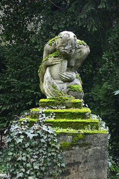 Gypsy Purple home. Gypsy Purple home. Diy Garden, Garden Shop, Dream Garden, Garden Art, Garden Design, Cemetery Statues, Cemetery Art, Angel Statues, Purple Home
