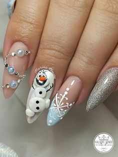 What you need to know about acrylic nails - My Nails Chistmas Nails, Cute Christmas Nails, Xmas Nails, Holiday Nails, Valentine Nails, Halloween Nails, Nail Art Noel, Xmas Nail Art, Christmas Nail Art Designs