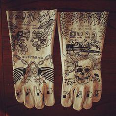 #mulpix customized my welding gloves  #welding #gloves #art #weldporn #weld #graffiti #tattoo #handmade #edding #beautiful #skull #hawaiian #flowers #floral #pma #workingclass #style #knuckletattoo #tats #oldschool #ink #metalwork #sickathome #artwork #typography #design #leather #custom #art #draw #drawing
