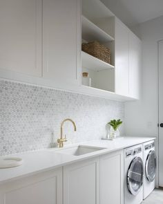 I thought I loved their kitchen but then, THEN I saw the laundry! Ex Blockheads @juliaandsasha share the kitchen, laundry AND mudroom of… Laundry Room Design, Farmhouse Kitchen Decor, Basement Laundry, Laundry Area, Laundry Rooms, Laundry Sorting, Doing Laundry, Dog Bed, Stacked Washer Dryer