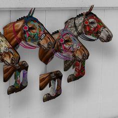 De producten van Miho zijn gemaakt uit MDF en zijn zelf in elkaar te zetten. In een handomdraai maak je zelf je eigen woondecoratie. De paarden van Miho beschikken over hippe kleuren en mooie details!