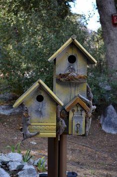 Bird houses - Best Popular Birdhouses Rustic For Your Beautiful Garden – Bird houses Bird Houses Diy, Fairy Houses, Dog Houses, Bird House Feeder, Bird Feeders, Bird Cages, Little Houses, Yard Art, Beautiful Gardens
