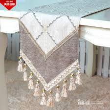 Resultado de imagen para table runner luxury Table Runners, Bohemian Rug, Rugs, Luxury, Crochet, Home Decor, Sewing, Farmhouse Rugs, Homemade Home Decor