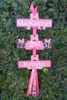 Minnie Mouse Party Sign Black/Pink/Pink Polka by YourPartyShoppe Minnie Mouse 1st Birthday, Minnie Mouse Theme, Minnie Mouse Birthday Decorations, Pink Minnie, Ideas Decoracion Cumpleaños, 3rd Birthday Parties, 2nd Birthday, Birthday Ideas, Happy Birthday
