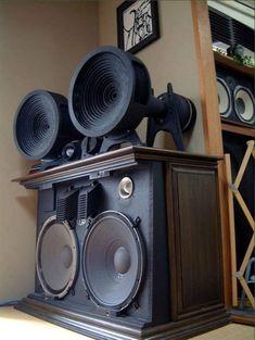 Pro Audio Speakers, Audiophile Speakers, Horn Speakers, Monitor Speakers, Diy Speakers, Hifi Audio, Speaker Box Design, Recording Studio Design, Audio Room