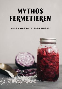 Gemüse fermentieren Fermenting or pickling is a great way to preserve vegetables and your harvest fr Kefir Recipes, Vegan Recipes, Healthy Eating Tips, Healthy Nutrition, Party Buffet, Vegetable Drinks, Fermented Foods, Food And Drink, Pickles Recipe