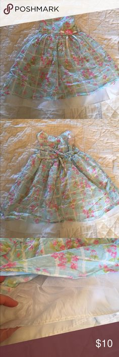 Blue and pink girl's dress 3 layers to this dress. In great condition! Light. Lie with pink flowers and soft raised dots. Goodlad Dresses