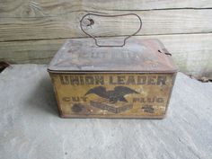 Union Leader Cut Plug  Lunch Pail Box by TheSnapDragonsLair