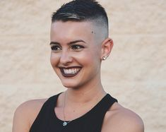 Hair Care Tips That You Shouldn't Pass Up – Hair Extensions Remy Edgy Short Haircuts, Short Hairstyles For Women, Short Hair Cuts, Cool Hairstyles, Short Pixie, Pixie Haircuts, Super Short Hair, Bald Hair, Remy Hair Extensions