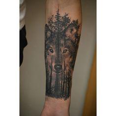 #Tattoo #Wolf #Forest #darkforest #nature #realistic#realistictattoo #tattoo Art