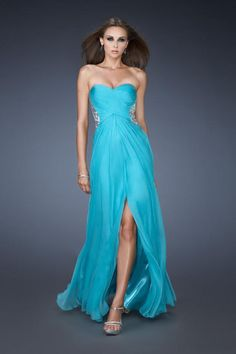 We Know you Love La Femme Dresses as Much as We Do! Find the Perfect La Femme Prom or Homecoming Dress of Your Dreams Today at Peaches Boutique Prom Dress 2014, Prom Dress Shopping, Homecoming Dresses, Strapless Dress Formal, Formal Dresses, Dress Long, Homecoming Ideas, Prom 2014, Grad Dresses