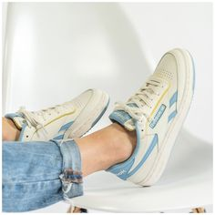 Reebook Shoes, Hype Shoes, Sock Shoes, Me Too Shoes, Sneaker Outfits, Sneakers Fashion Outfits, Fashion Shoes, Keds, Sneaker Reebok
