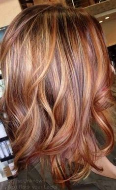 Auburn hair color is a staple fashion statement for hairstyle trend during fall season. Below, we have many ideas for auburn hair color ideas to guide you. Hair Color Auburn, Hair Color Highlights, Blonde Hair With Red Highlights, Pixie Highlights, Red Streaks, Golden Highlights, Caramel Highlights, Hair Color And Cut, Cool Hair Color