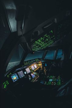 training material for pilots & safety in aviation Photo Avion, Airplane Wallpaper, Airplane Pilot, Airplane Flying, Aviation World, Airplane Photography, Boeing 777, Flight Deck, Travel Aesthetic