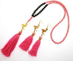 Flamingo wood long tassel necklace , tassel earrings ,flamingo earrings ,animal jewelry ,tassel jewelry ,beaded necklace door HipLikeMe op Etsy https://www.etsy.com/nl/listing/237012801/flamingo-wood-long-tassel-necklace