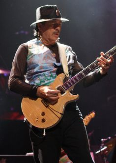 Carlos Santana - Wikipedia Carlos Santana Guitar, Santana Music, Pop Songs, Music Songs, Music Videos, Gregg Rolie, Rob Thomas, Best Guitarist, Black Magic Woman