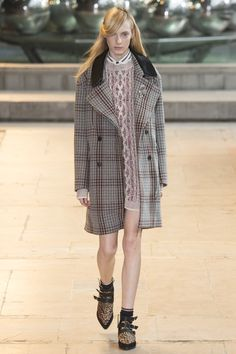 Isabel Marant Fall 2016 Ready-to-Wear Fashion Show  Diversity on this runway, thus far, has not been especially strong  http://www.vogue.com/fashion-shows/fall-2016-ready-to-wear/isabel-marant/slideshow/collection#25