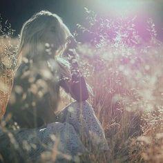 Está cuenta nos inspira con sus lindos mensajes  gracias #Repost @omshivaom  A veces sólo a veces hay que entender que la vida está llena de comienzos Cuando alguien evoluciona también evoluciona todo a su alrededor. Cuando tratamos de ser mejores de lo que somos todo a nuestro alrededor también se vuelve mejor. Eres libre para elegir para tomar decisiones aunque sólo tu las entiendas.  Toma tus decisiones con coraje desprendimiento y a veces con cierta dosis de locura Sólo entenderemos la…