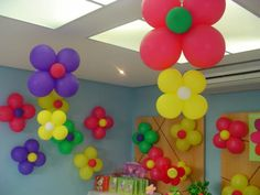 balloon decorations for 1 yr old Balloon Decorations Without Helium, Baby Shower Balloon Decorations, Baby Shower Balloons, Birthday Party Decorations, Balloon Ceiling, Balloon Columns, Paper Flower Wall, Flower Wall Decor, Anniversaire Hello Kitty