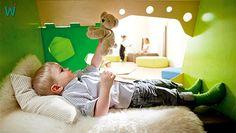 Lausch- und Kuschelhöhle - in ihr wird nichts verpasst. Mit #MP3-Player - Anschluß für Musik.  Die neue Möbelserie Grow-upp von Wehrfritz. http://www.wehrfritz.de/blaetterkataloge/de/grow_upp/ #Kinder #Sinne #Natur #Ispiration #Einrichtung #Raumkonzept #kuscheln