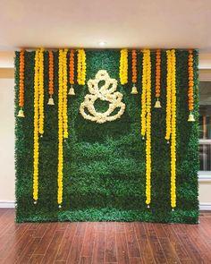 Wedding Backdrop Design, Desi Wedding Decor, Luxury Wedding Decor, Wedding Stage Decorations, Backdrop Decorations, Flower Decorations, Ganpati Decoration Ideas, Mehendi Decor Ideas, Mehndi Decor