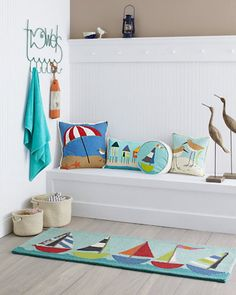 I don't have the entryway space for this concept but it would make an adorable bathroom theme!