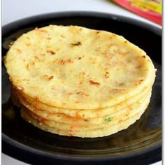 Akki Roti or Masala Rice Roti is a famous karnataka dish which can be served as a snack or for dinner. It is sure a better alternative to th. Rice Flour Recipes, Veg Recipes, Indian Food Recipes, Snack Recipes, Cooking Recipes, Jaggery Recipes, Indian Foods, Unique Recipes, Recipes