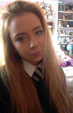 Selfie In Formal School Uniform School Uniform Girls, Girls Uniforms, Shaved Teen, British Schools, Girl Thinking, Face Treatment, Coloured Hair, Bikini, Woman Crush