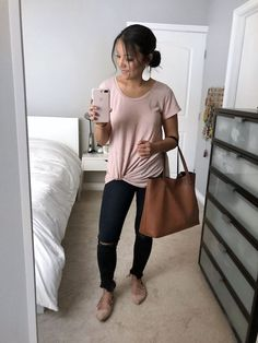 Blush Twist Tee and Frayed Jeans Outfit Learning to work your closet Putting me together Early Fall Outfits, Casual Work Outfits, Trendy Outfits, Summer Outfits, Cute Outfits, Fashion Outfits, Autumn Outfits, Church Outfit Summer, Womens Fashion