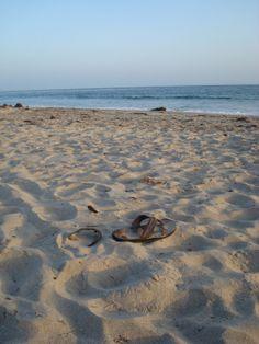 Ganz oft haben wir Schuhe gesehen. Diese hier an der Küste in Kalifornien.