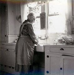 """Grandmother's Apron...""""The History of Aprons""""...this brings back so many memories of my """"Nannaw"""" I think I remember her using her apron for everything mentioned!"""