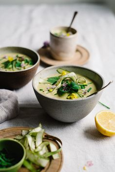 Creamy Tahini & Lemon-Asparagus Soup | dolly and oatmeal #vegan