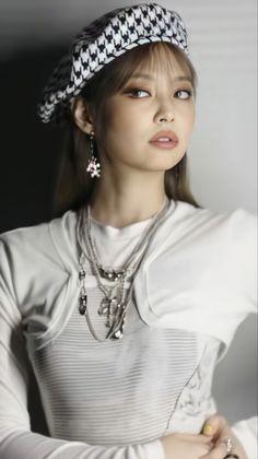 Kim Jennie, Jenny Kim, Kpop Girl Groups, Kpop Girls, Korean Girl Groups, Blackpink Lisa, Lisa Park, Lisa Blackpink Wallpaper, Black Pink Kpop