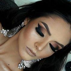 """133 curtidas, 2 comentários -  Makeup Artist  (@karinaalvesmakeup) no Instagram: """"Detalhes!!! ❤  #trendmood1 #wakeupandmakeup #marcasebeleza #maquiagembrasil #maquiagembrasill #mua…"""""""