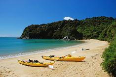 Kayaking in the Abel Tasman National Park, South Island, New Zealand New Zealand Beach, Visit New Zealand, New Zealand Travel, Oregon Coast Camping, Southern Oregon Coast, Tasmania, Abel Tasman National Park, Kayak Tours, Kayak Camping