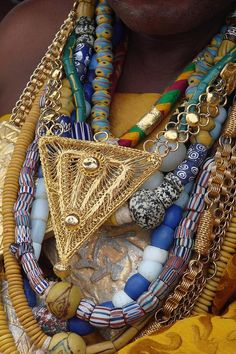 Africa | Details from a Chief at a Durban, Big Ada region, Ghana (2010) | ©Anansi, via BCN (Bead Collector Network)