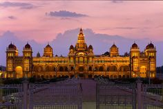 Top 10 Palaces of India where you can live like a King