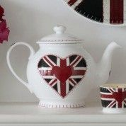 Beautiful teapot in white bone china decorated with a Union Jack heart, with blanket stitch effect around the rim. Best Of British, British Things, British Style, British Decor, The Dave Clark Five, Union Flags, Textile Company, Uk Flag, Decoupage