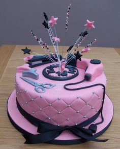 Best 25 Cosmetology Cake Ideas On Pinterest Hairdresser Graduation And Hair Stylist Jobs